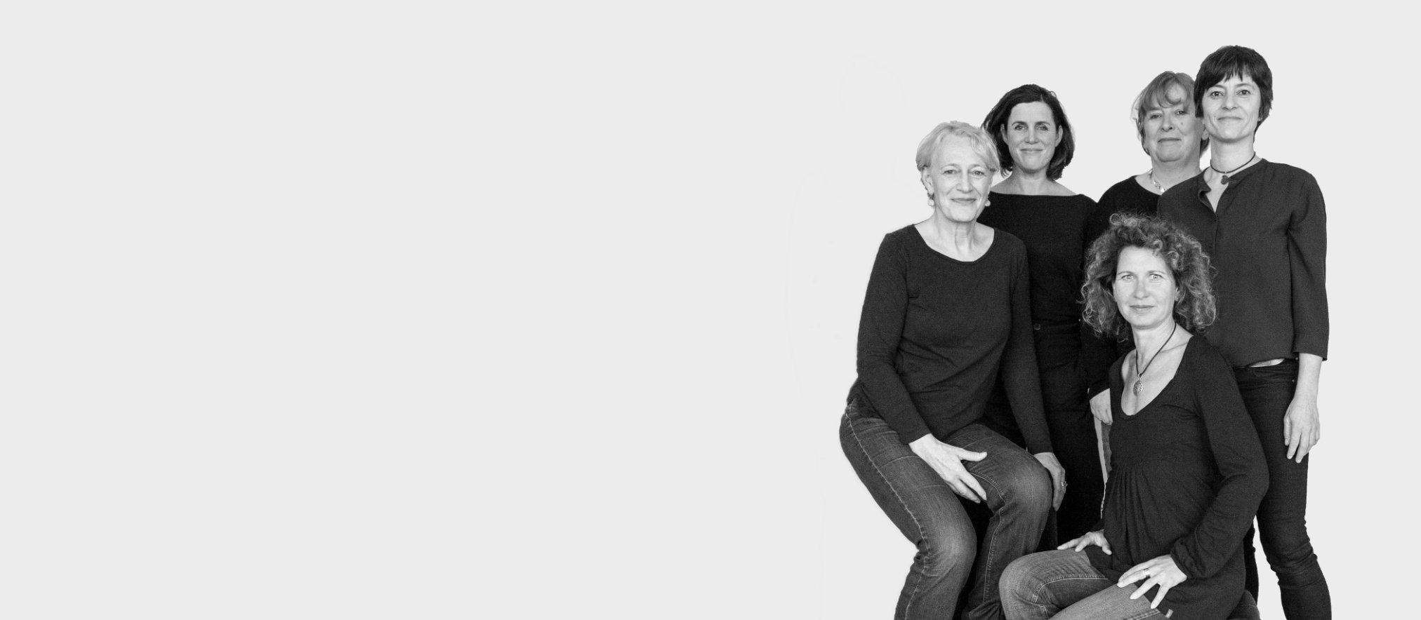 therapeut*innenkollektiv Anna Brömsel, Mireille van Veenendaal, Simone Hollstein, Alexandra Jensen, Sylvie Tappert